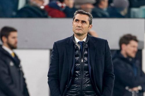 Fc Barcelona Barça Coach Ernesto Valverde Wirbt Um