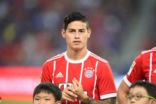 bayern m nchen james rodriguez flirtet mit wechsel nach bella italia. Black Bedroom Furniture Sets. Home Design Ideas