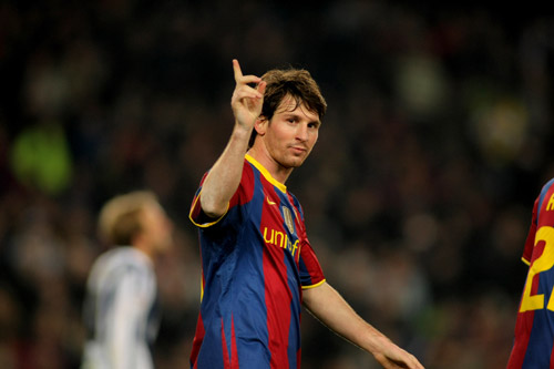 lionel messi fc barcelona 2010 foucs finger