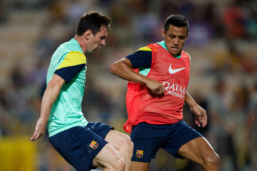 lionel messi training alexis sanchez