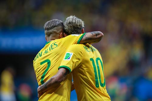 neymar dani alves selecao 2