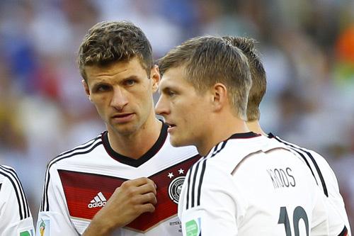FC Bayern Thomas M U00fcller Befeuert DFB R U00fcckkehr Debatte