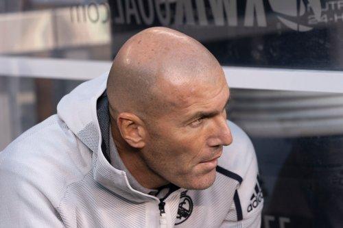 Französische Zinedine Zidane sieht über seine ehemaligen