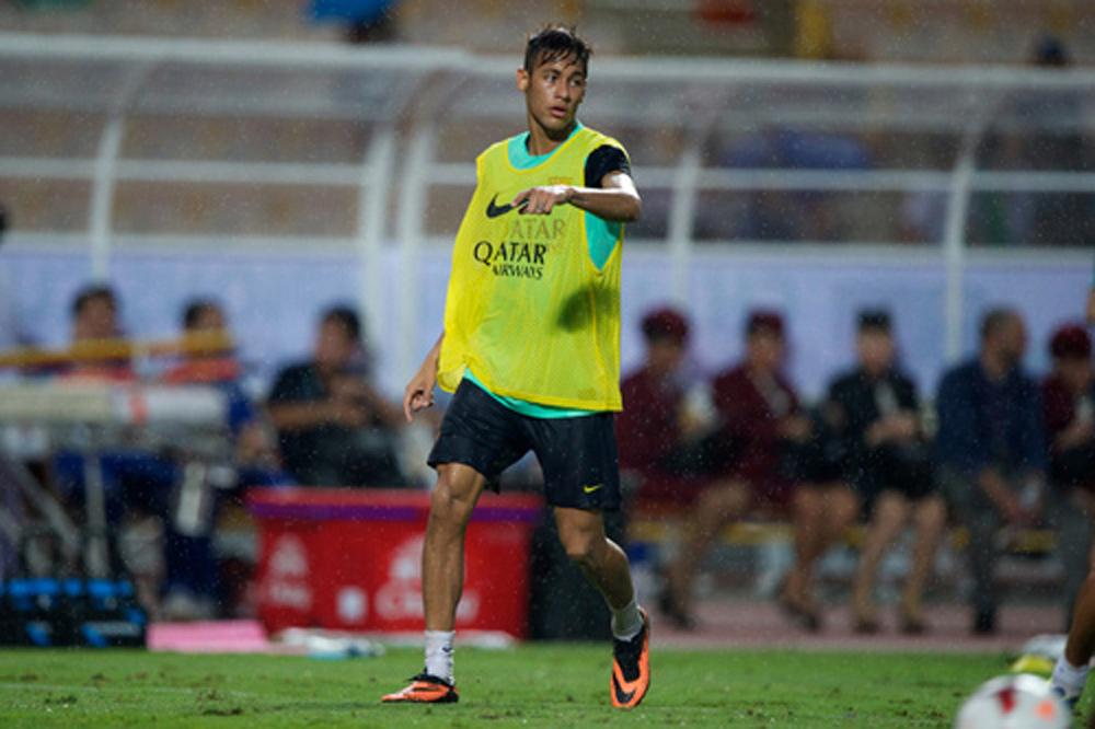 Barça gibt erstes schriftliches Angebot für Neymar ab