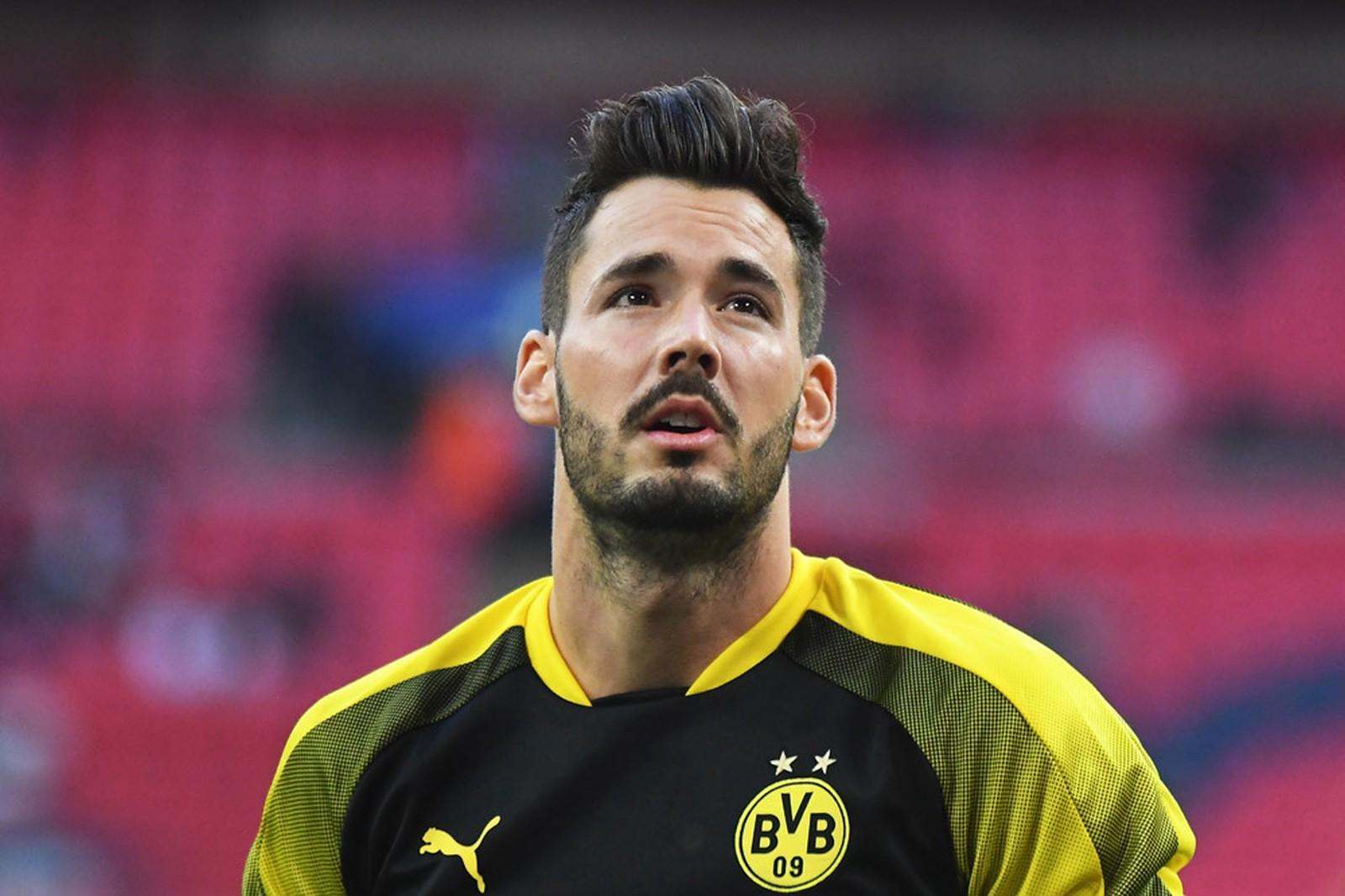 Nachfolger von Roman Bürki: Neuer Name beim BVB gehandelt - Fussball Europa